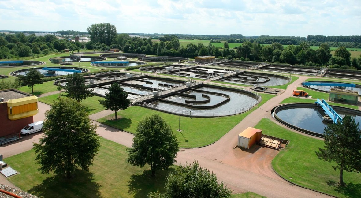 IE5 SynRM motor and drive packages clearly improve energy efficiency in wastewater treatment