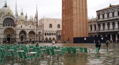 Floodgate system to protect Venice from high water passes test