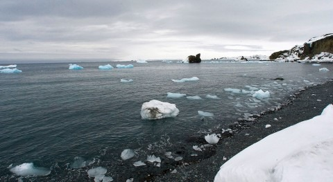 WMO verifies one temperature record for Antarctic continent and rejects another