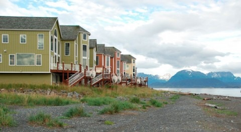 Coastal communities losing ground on climate change planning, study shows