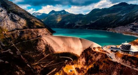 RusHydro to install 1.3 MW solar panels at Nizhne-Bureyskaya hydropower plant