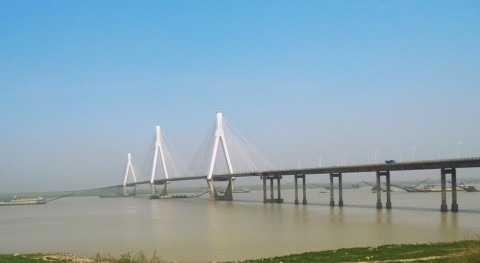 What drives differences in water quality during different hydrological periods in dongting lake?