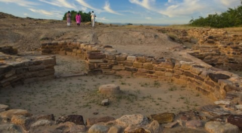 Water management strategies and climate change in the Indus Civilisation