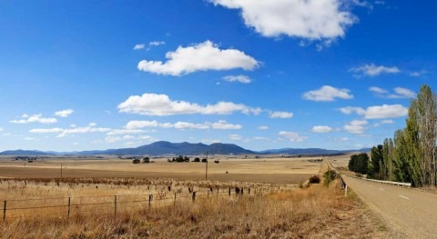 rare natural phenomenon brings severe drought to Australia. Climate change making it more common