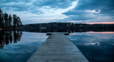 Less ice, more methane from northern lakes: result from global warming