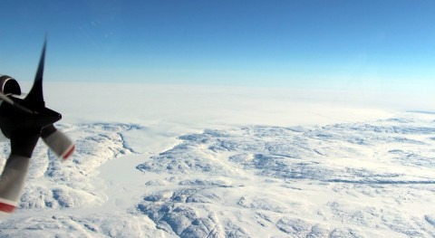 Stanford researchers use airborne radar to detect groundwater beneath Greenland glacier