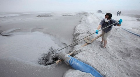 Impact of coal burning on Yangtze River is comparable to natural processes