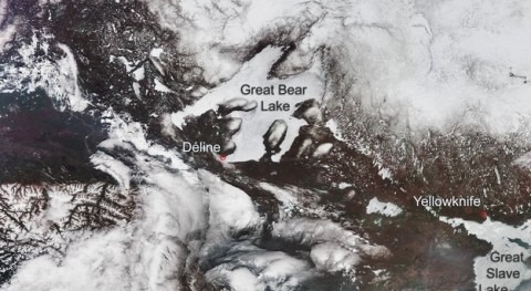 CryoSat conquers ice on Artic lakes