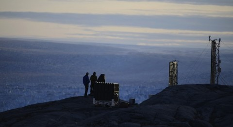 'Dream team' to study ice loss on critical Greenland glacier to better forecast rising oceans