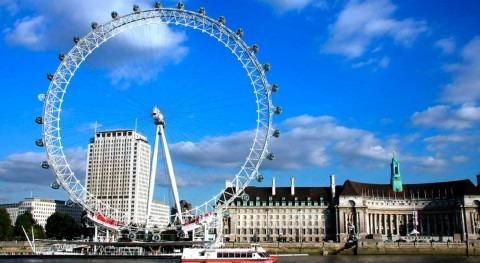 Sea level rise puts 21 UK landmarks at risk