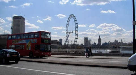 Study: road pollution is contaminating London's rivers