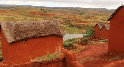 Madagascar villagers learn dangers of outdoor defecation