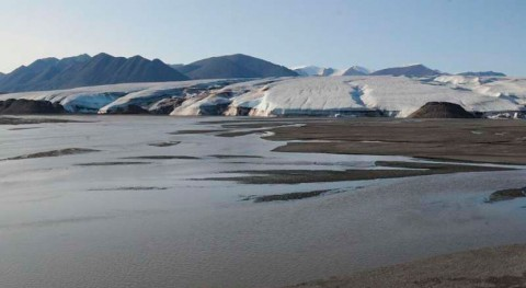 Glacier-fed rivers may consume atmospheric carbon dioxide