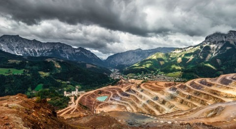 Establishing international standards for toxic mining waste storage