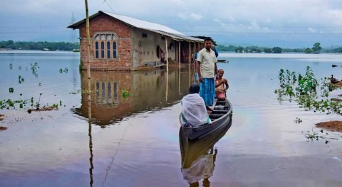 Climate change increases migration at the expense of the poor