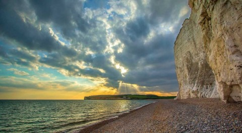 Number of English bathing waters classed as 'excellent' hits record high