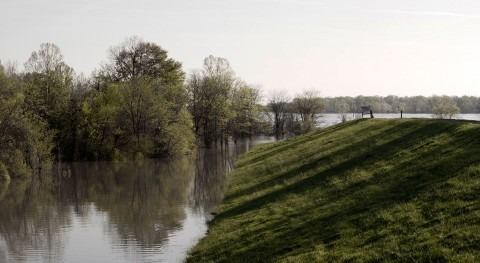 Study finds flooding damage to levees is cumulative – and often invisible