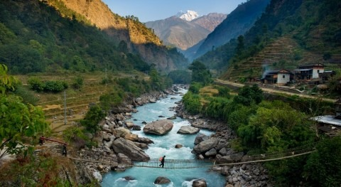 Collapsing glaciers threaten Asia's water supplies