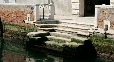Two months after flooding, Venice canals almost dry