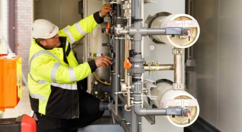 Veolia WT's mobile water services expand with new regeneration facility and assets in Middle East