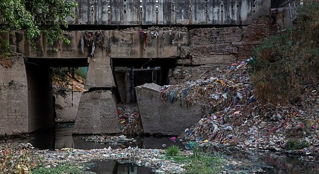 Combined flows send up to 3 billion microplastics day into Bay of Bengal