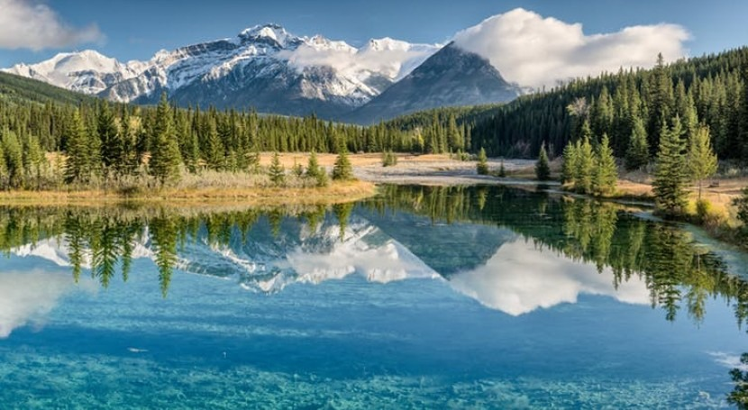 Freshwater lakes already emit quarter of global carbon – and climate change could double that