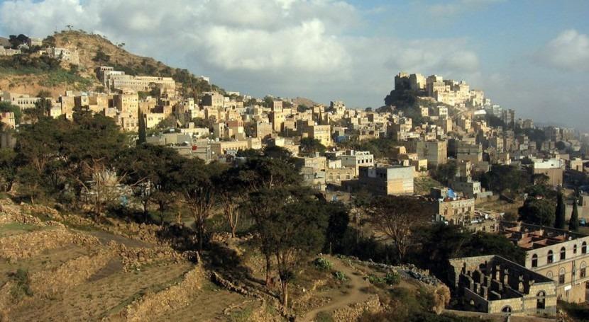 Saudi Arabia uses solar power to generate water in Yemen