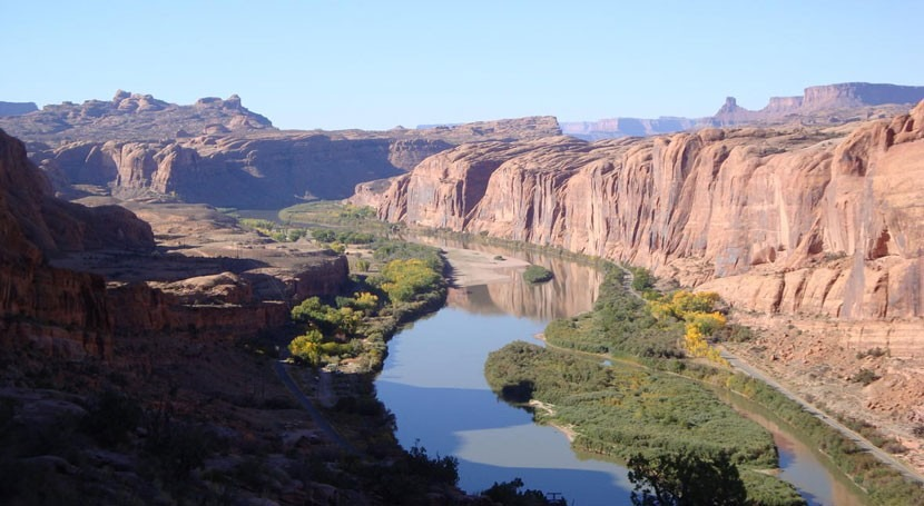 Salinity cycles in lower Colorado River caused by precipitation patterns in upper basin