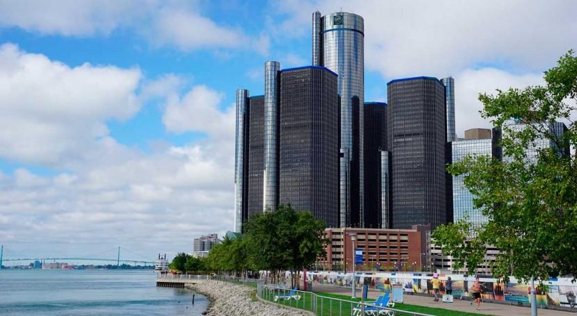 Detroit residents still lack running water in spite of measures to halt service shutoffs