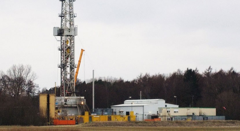 Swapping water for CO2 could make fracking greener and more effective