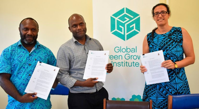 GGGI signs project agreement with Vanuatu Government to implement solar water pumping project