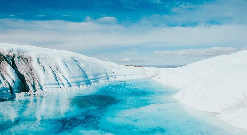 Reducing the melting of the Greenland ice sheet using solar geoengineering?
