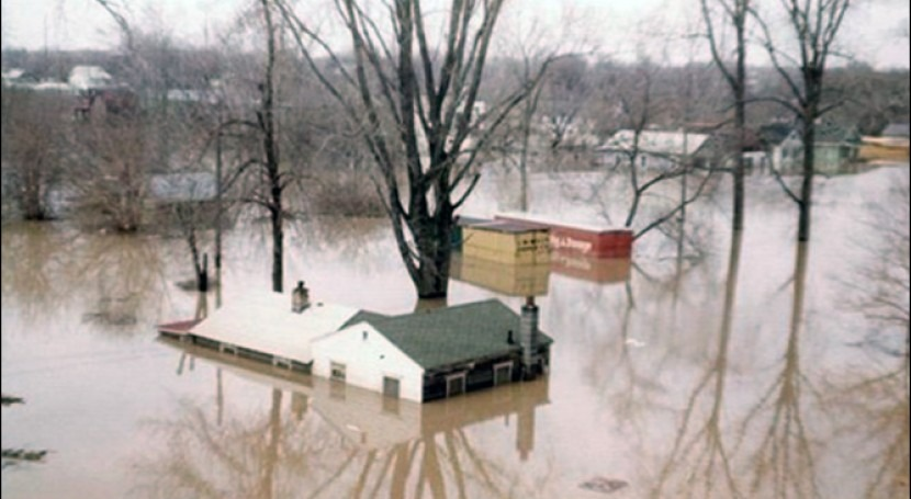 Great Lakes flooding: The warning signs that homes must be moved
