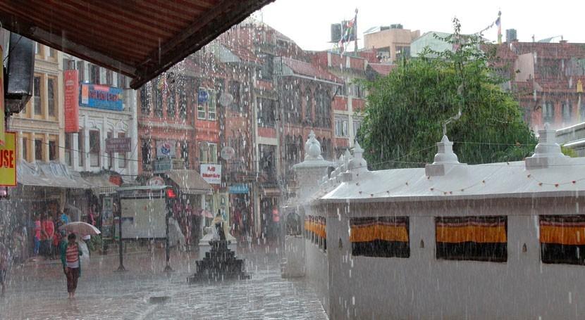 Seasonal monsoon rains block key ocean current