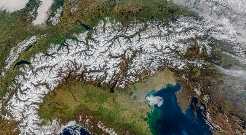 Mountain streams emit surprising amount of CO2