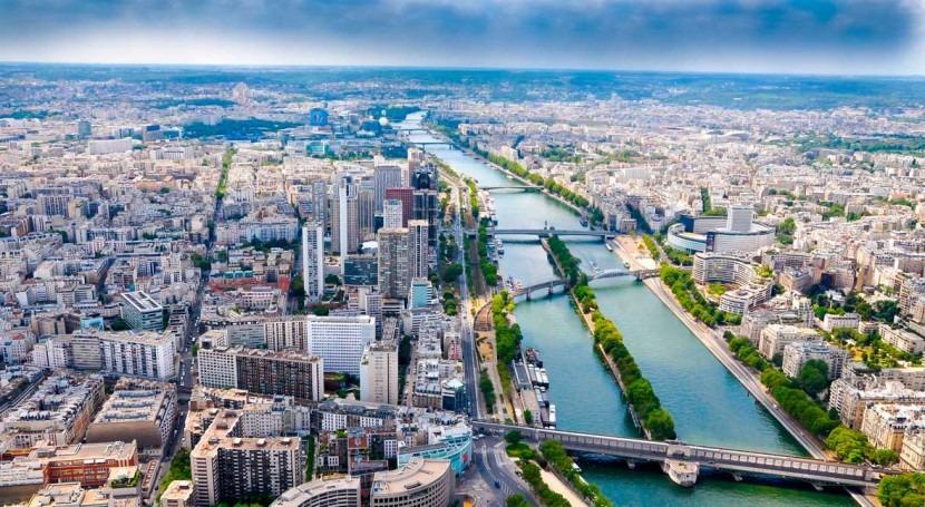 Omnipresence of microplastics in European rivers