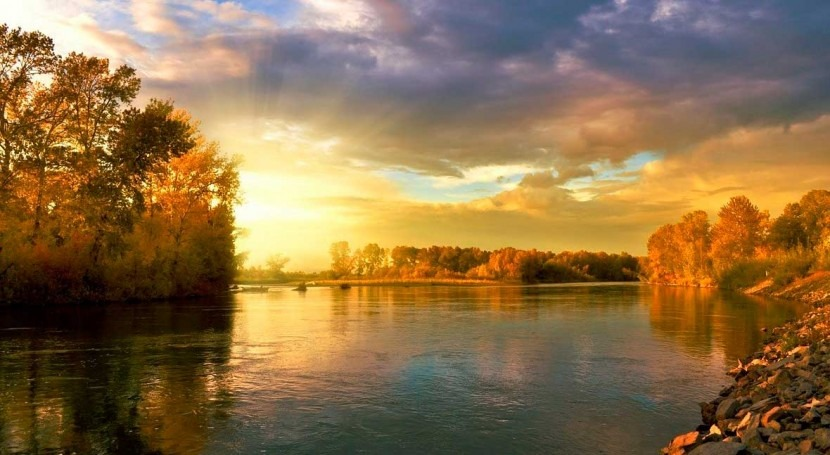 Water quality of rivers has changed dramatically in human-dominated landscapes of the US