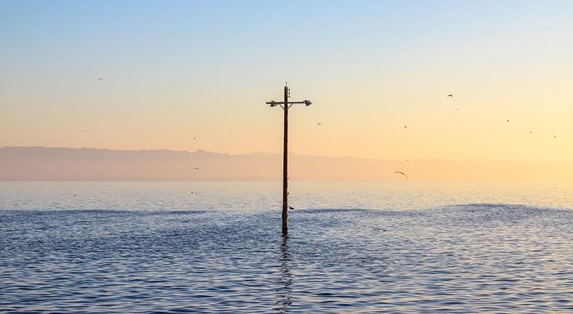 Despite sea-level rise risks, migration to some threatened coastal areas may increase