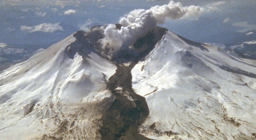 Lahars: the threat of water under the volcano