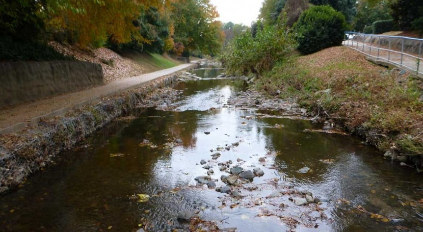 Urban growth in the southeastern U.S. potentially threatens health of small streams
