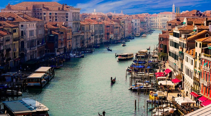 The future of flooding in Venice: improving projections and protection as sea level rises
