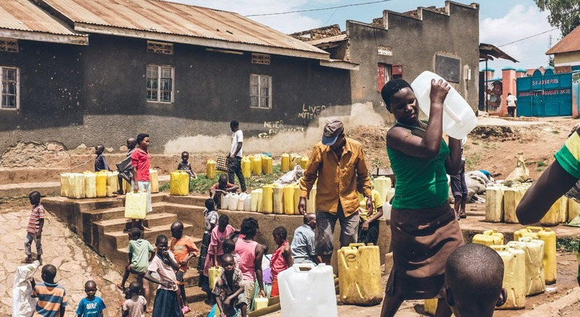 Virus communities with adverse human health risks found in groundwater below slums in Africa