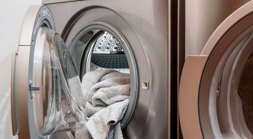 Canadian and US laundry releases trillions of plastic microfibers into the ocean