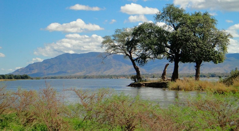 Zambia and EIB sign €5 million loan for water and sanitation